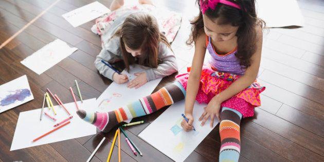 Les séances de jeux chez des amis font du bien aux enfants pour de nombreuses raisons. Voici ce que les pédiatres pensent à demander au préalable.