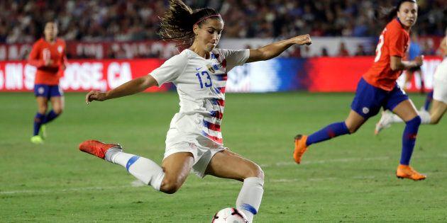 La joueuse américaine Alex Morgan dans un match contre le Chili
