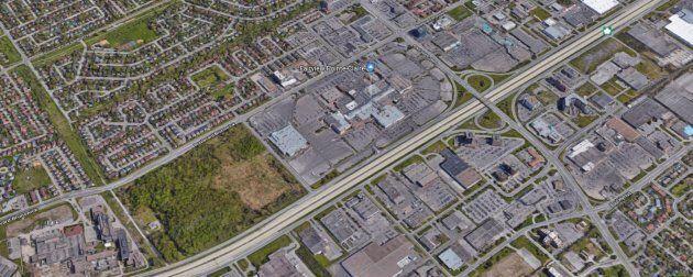 Une station du REM sera située près du centre commercial Fairview Pointe-Claire, dans l'Ouest de l'île...