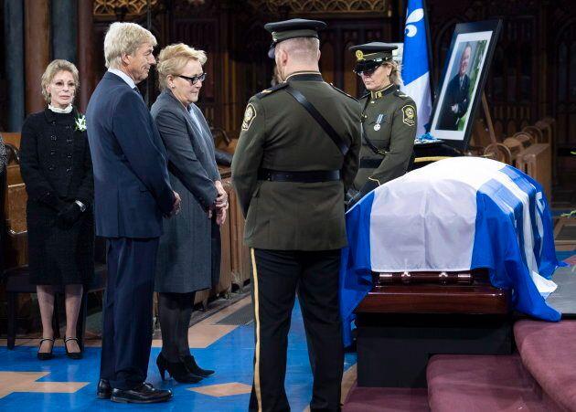 L'ex-première ministre Pauline Marois salue son ancien collègue devenu chef.