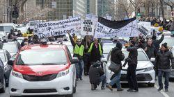 Des chauffeurs de taxi manifestent au centre-ville de