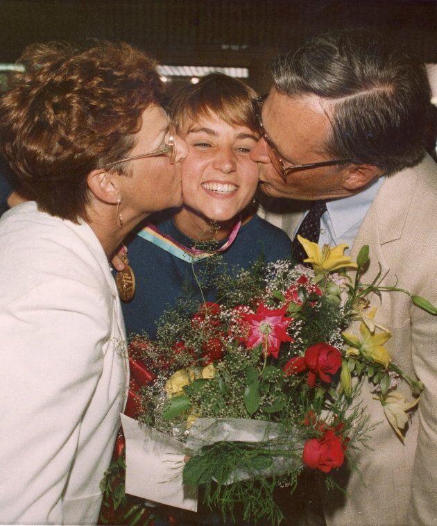 Sylvie Bernier, à son retour des Jeux olympiques de Los Angeles, en 1984, où elle a remporté la médaille d'or au tremplin de trois mètres.
