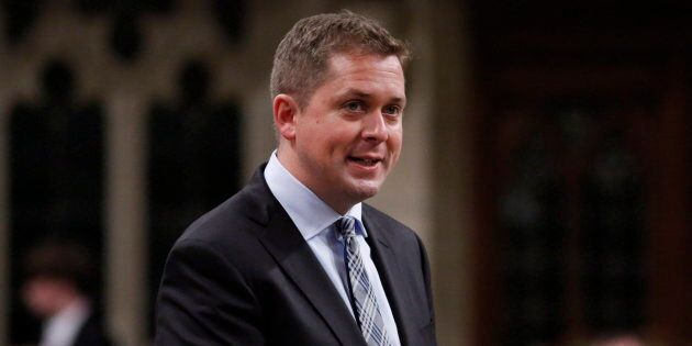 Les libéraux obtiennent ainsi 35% des intentions de vote au Québec, versus 26% pour les conservateurs...