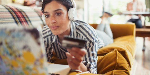 Les achats en ligne en hausse en cette période des