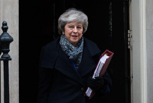 Theresa May doit presque revenir à la case départ à la suite du rejet de l'accord qu'elle a négocié avec...