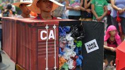 Le président philippin menace de retourner des déchets