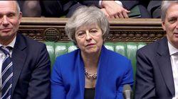 Le gouvernement britannique survit de