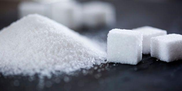 Les Canadiens consomment un peu moins de sucre, révèle une analyse de Statistique