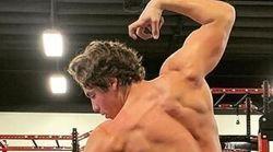 Le fils d'Arnold Schwarzenegger, Joseph Baena, recrée une célèbre pose de son