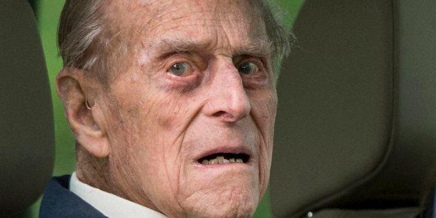 Le prince Philip de retour au volant... sans ceinture de
