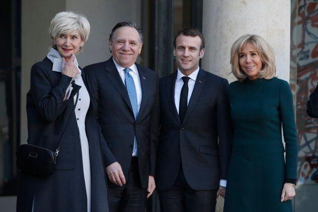 De gauche à droite: Isabelle Brais, épouse de François Legault; François Legault, premier ministre du Québec; Emmanuel Macron, président de la France; Brigitte Macron, épouse d'Emmanuel Macron.