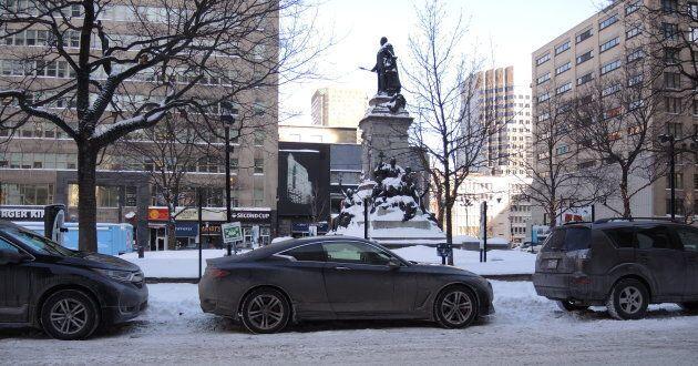 Le stationnement sur rue sera retiré du pourtour du square Phillips, à Montréal, ainsi que des rues