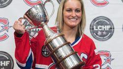 Deux cents hockeyeuses font pression pour une ligue professionnelle