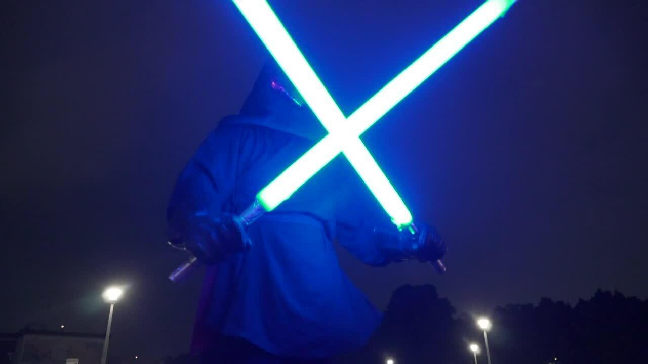Les fans de «Star Wars» fabriquent désormais leurs propres sabres
