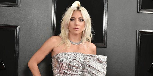 Lady Gaga dévoile un nouveau tatouage en hommage à Bradley