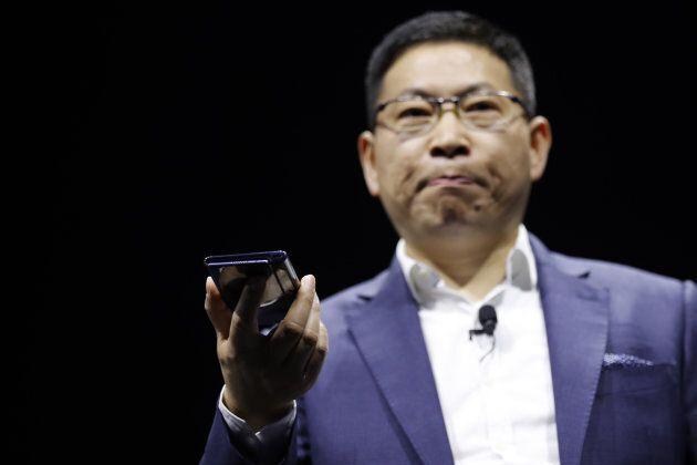 Richard Yu, présentant le nouveau Huawei Mate