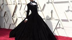 Pourquoi cet acteur porte une robe aux