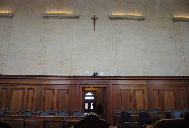 À Montréal, le crucifix trône au-dessus des élus dans la salle du conseil, devant le siège de la