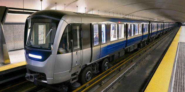 Le service a été brièvement interrompu sur trois lignes du métro de