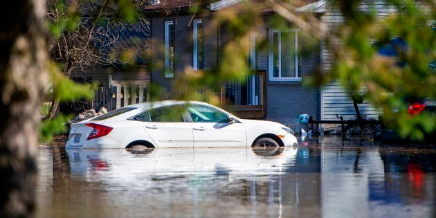 Inondations: plus de 10 000 citoyens