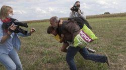 La journaliste qui a fait trébucher un réfugié va le