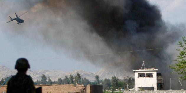 Afghanistan: les talibans lancent six attaques concomitantes, dont trois à Kaboul