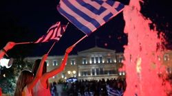 Les Grecs votent massivement