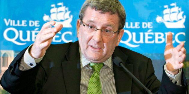 Labeaume dit qu'il savait que l'entente avec Quebecor soulèverait des