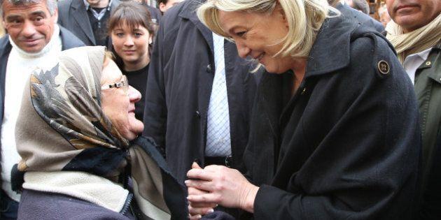 Élection présidentielle en France: Hollande et Sarkozy s'adressent aux électeurs de l'extrême droite