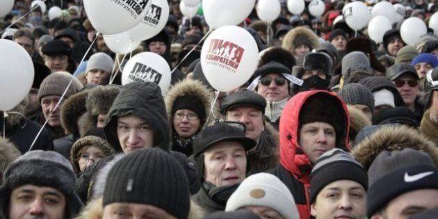 Moscou: des dizaines de milliers de manifestants contre Vladimir