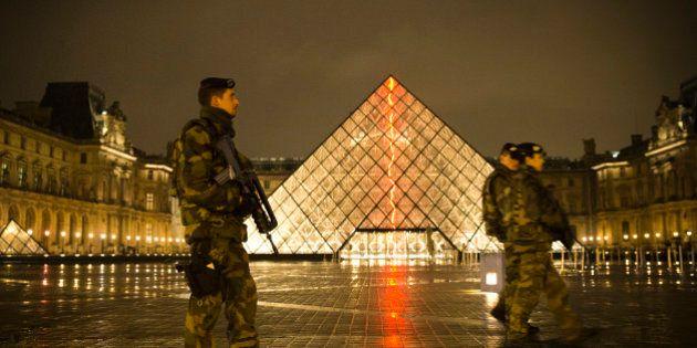 La France prolonge l'État d'urgence pour la 5e