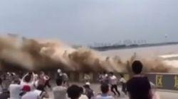 Ils voulaient voir cette grosse vague de près, ils ont été servis