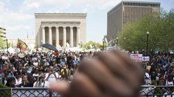 Baltimore: des milliers de manifestants réclament