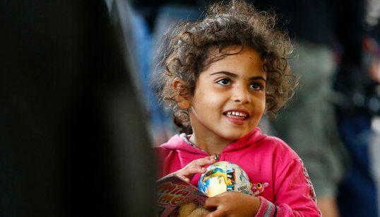 Aux frontières allemande et autrichienne, enfin des sourires