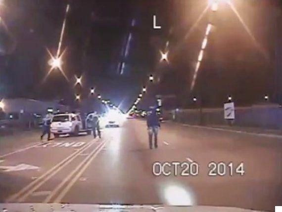 Haute tension à Chicago: Un policier blanc inculpé du meurtre d'un ado