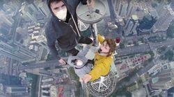 Un selfie au sommet d'une tour de 384