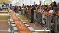 Voici la plus longue pizza du monde
