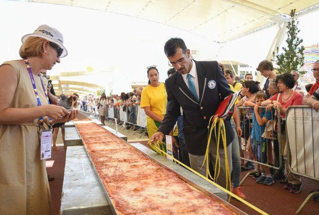 Le record du monde de la plus longue pizza battu à Milan