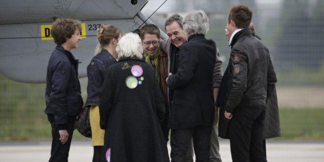 Les quatre ex-otages français en Syrie ont atterri à Villacoublay en