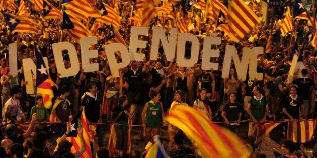 Indépendance de la Catalogne: Le président catalan convoque un référendum, défiant