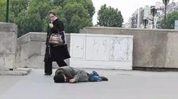 Déguisé en sans-abri, personne ne l'aide quand il simule un