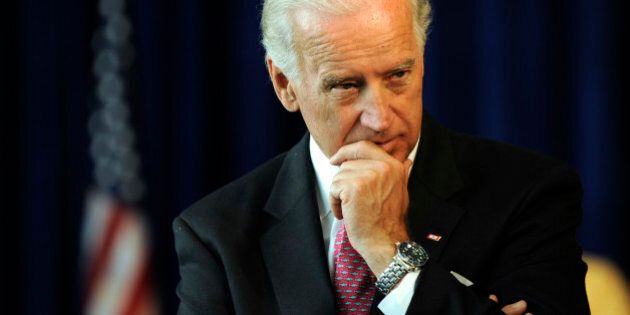 (KO) JOEBIDEN_KSO_5_26_09415 - Vice President Joe Biden chairs a middle class task force meeting at the...