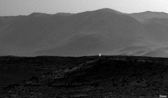 Mars: une lumière mystérieuse photographiée par le robot Curiosity