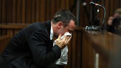 Oscar Pistorius, en pleurs, s'excuse pour le meurtre de Reeva