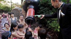 L'étrange rituel des Japonais autour du Beaujolais nouveau