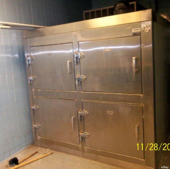 Vends sur eBay un frigo de morgue bon état, peu