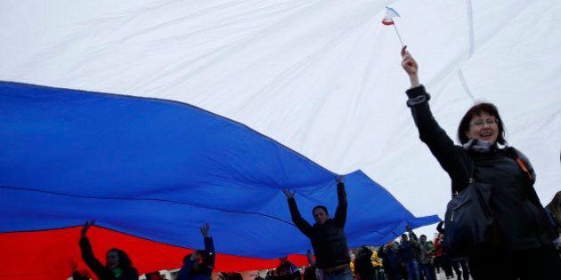 Des manifestations pro-russes à l'est et au sud de l'Ukraine: un pays à fronts