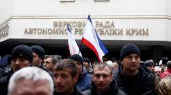 Ukraine: des hommes armés pro-russes occupent le gouvernement en Crimée, Ianoukovitch protégé par la