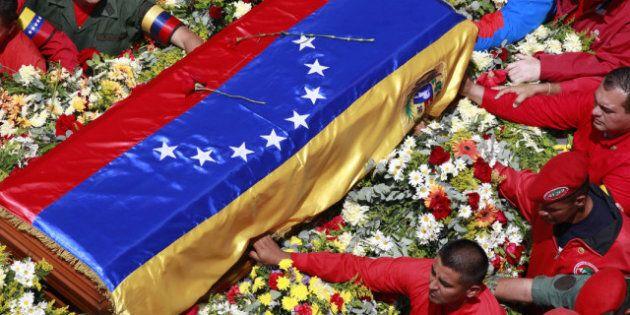Chavez: la population du Venezuela se prépare aux funérailles