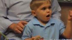 Un petit garçon sourd entend pour la première fois son père